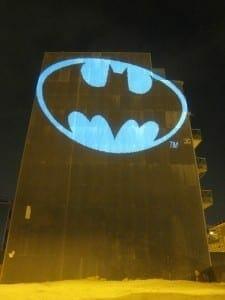 batman_bat_signal_laser_light_graffiti_barcelona-225x300