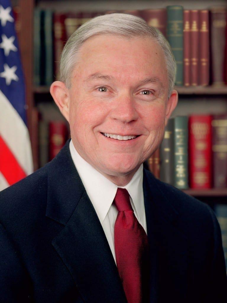 Foto oficial de Jeff Sessions. Fuente: Wikipedia