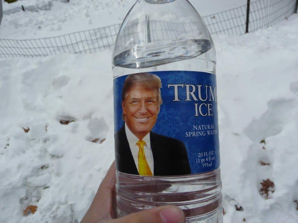 Donald Trump en el envase de su refresco. Fuente: flickr. Autor: Juliana Lopes