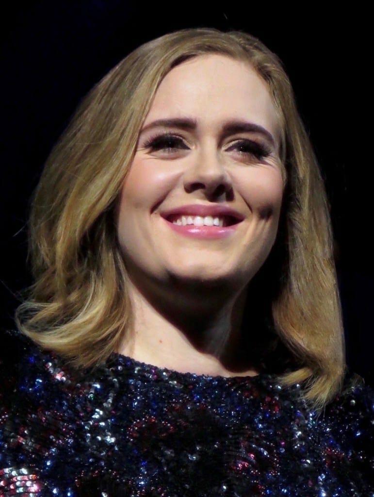 Adele en el 2016. Fuente: flickr. Autor: Marc E.