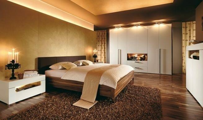 1484160949 Dormitorio principal en tonos marrones 1
