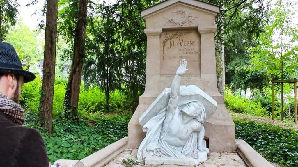 1491512567 Jules Verne grave 2