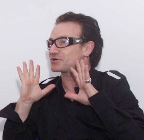 Bono en Praga en el 2000. Fuente: wikipedia. Autor: the International Monetary Fund