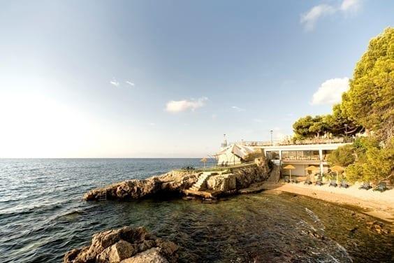 Guía del viajero para descubrir las mejores calas de Mallorca en el Día del Turismo