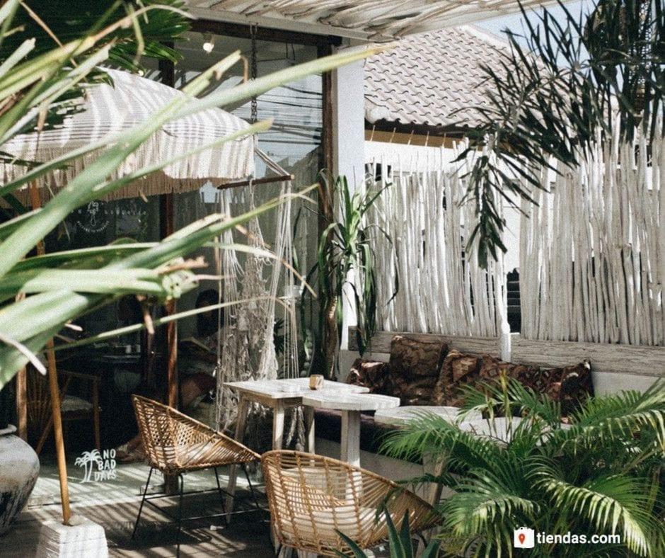 Tendencia al alza en la búsqueda de sillas y muebles de jardín en otoño, según un estudio de tiendas.com