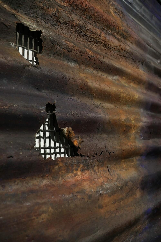 dettaglio 1 Viaggio olio su lamiera di ferro ph Marco Palombi