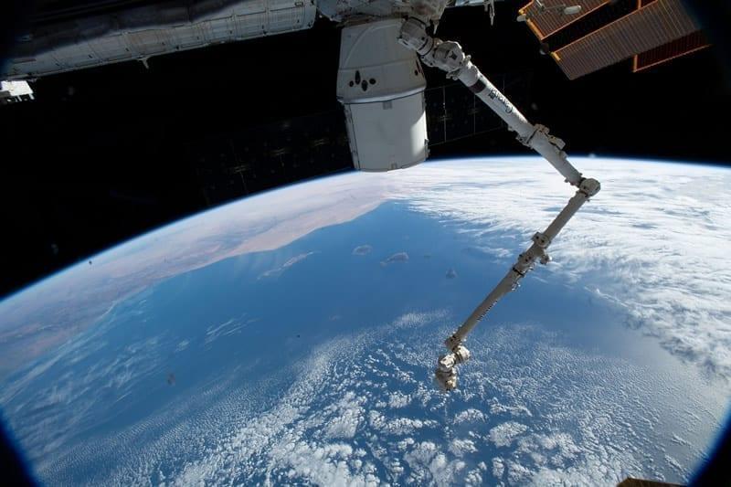 Cuando la nave de carga Dragón de SpaceX regrese a la Tierra, amerizará en el Océano Pacífico a unos cientos de millas de la costa del sur de California y Baja California. Image Credit: NASA