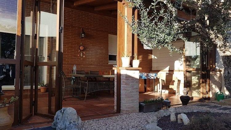 1553285155 aluvidal puertas jardin muros cortina