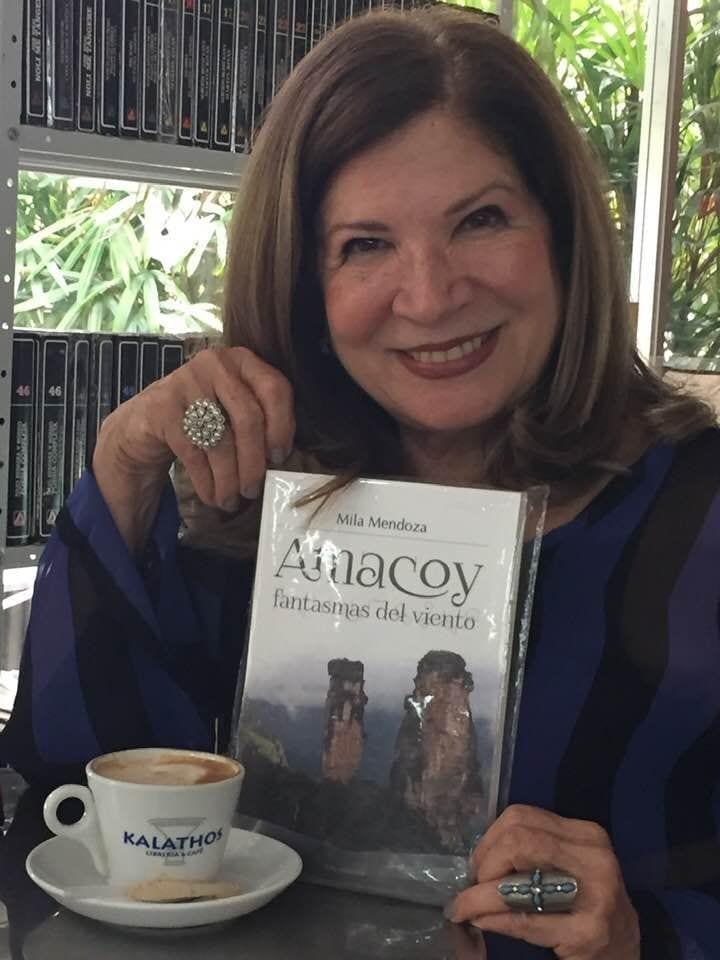 Mila Mendoza en la Feria del libro de Miami