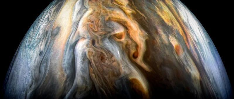 Imagen captada por la nave espacial Juno de la NASA de la región ecuatorial sur de Júpiter el 1 de Septiembre de 2017. Image Credit: NASA/JPL-Caltech/SwRI/MSSS/Kevin M. Gill