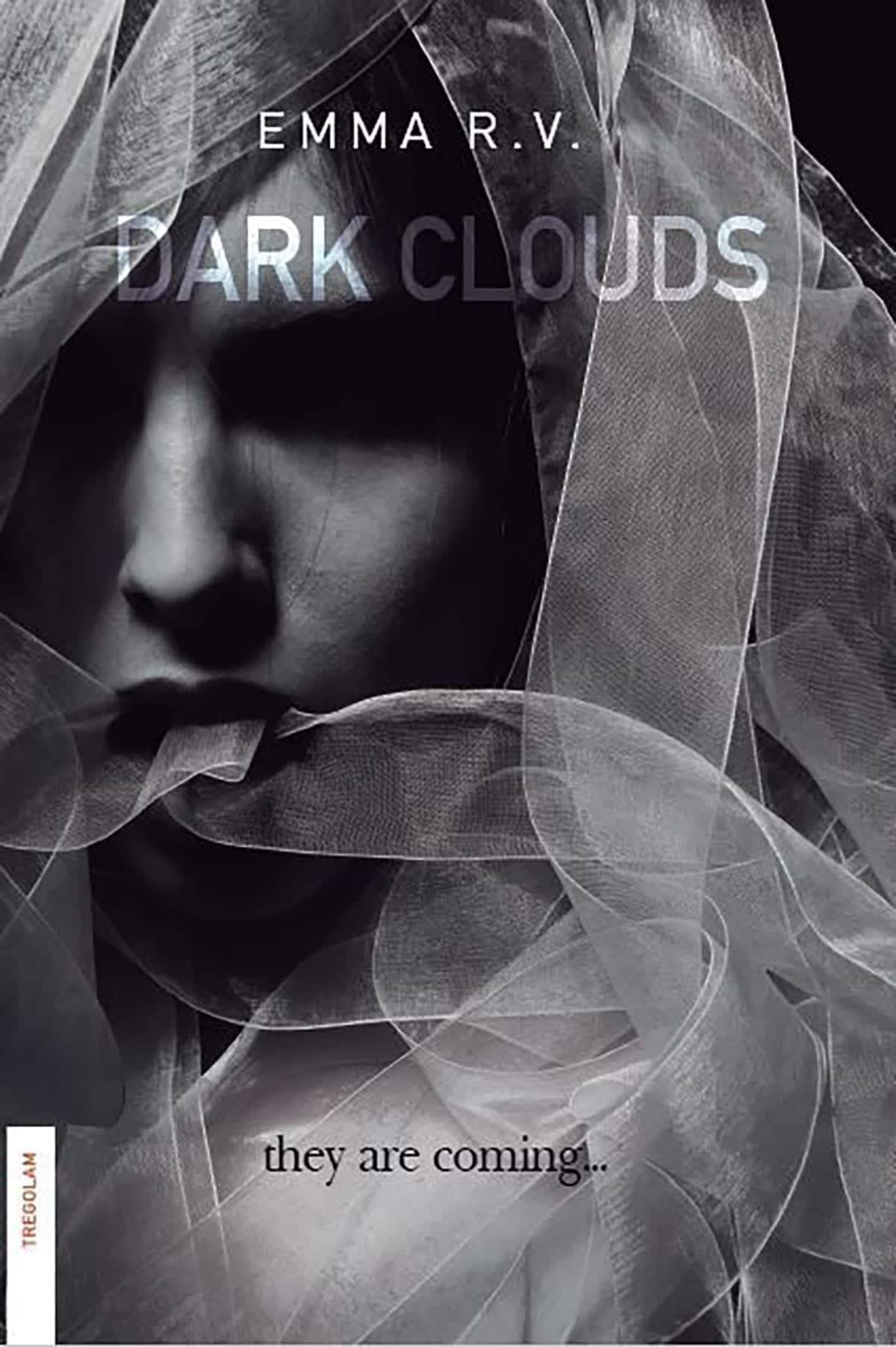 Dark Clouds, de Emma R. V.