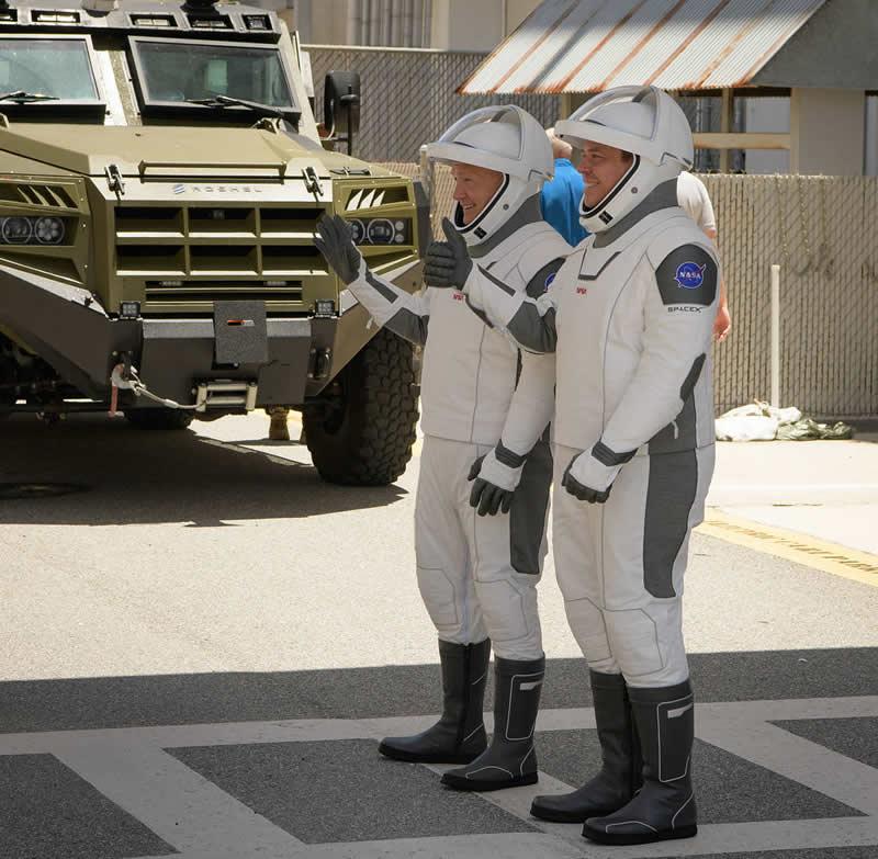 Los astronautas de la NASA Robert Behnken y Douglas Hurley. Image Credit: NASA