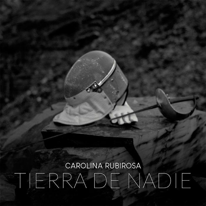 "Carolina Rubirosa presenta ""Tierra de Nadie"""