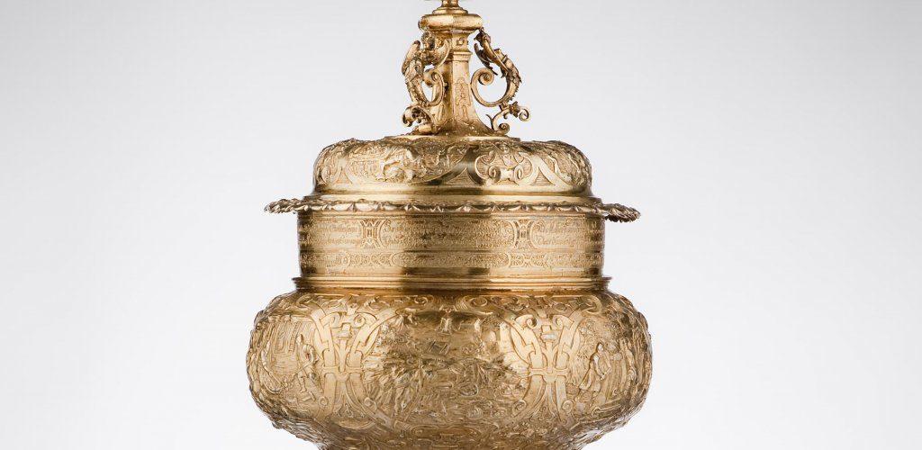 Hans Petzoldt Copa Imhoff hacia 1626 Núremberg, Alemania Plata sobredorada con relieves y adornos fundidos, 46,3 cm de altura Thyssen-Bornemisza Collections