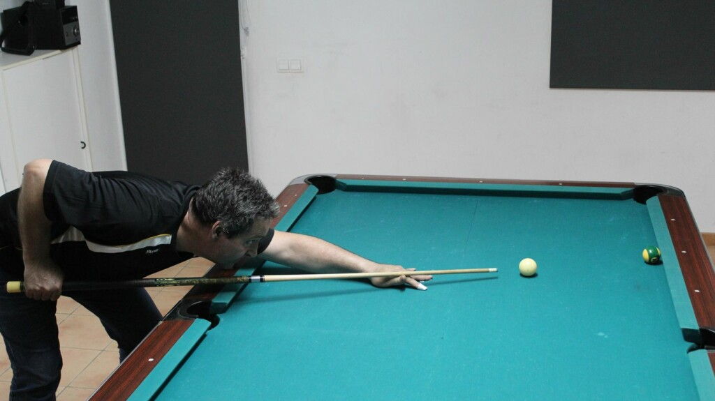 José Marí. Billiard Fanatic