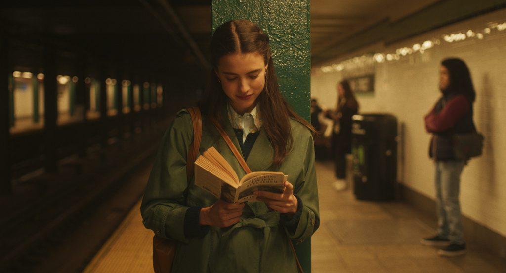 Margaret Qualley en Sueños de una Escritora en Nueva York (2020)