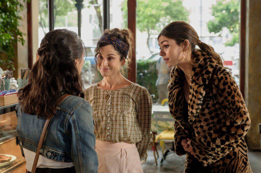 La fiesta del más allá (2021). Película en Netflix con Victoria Justice